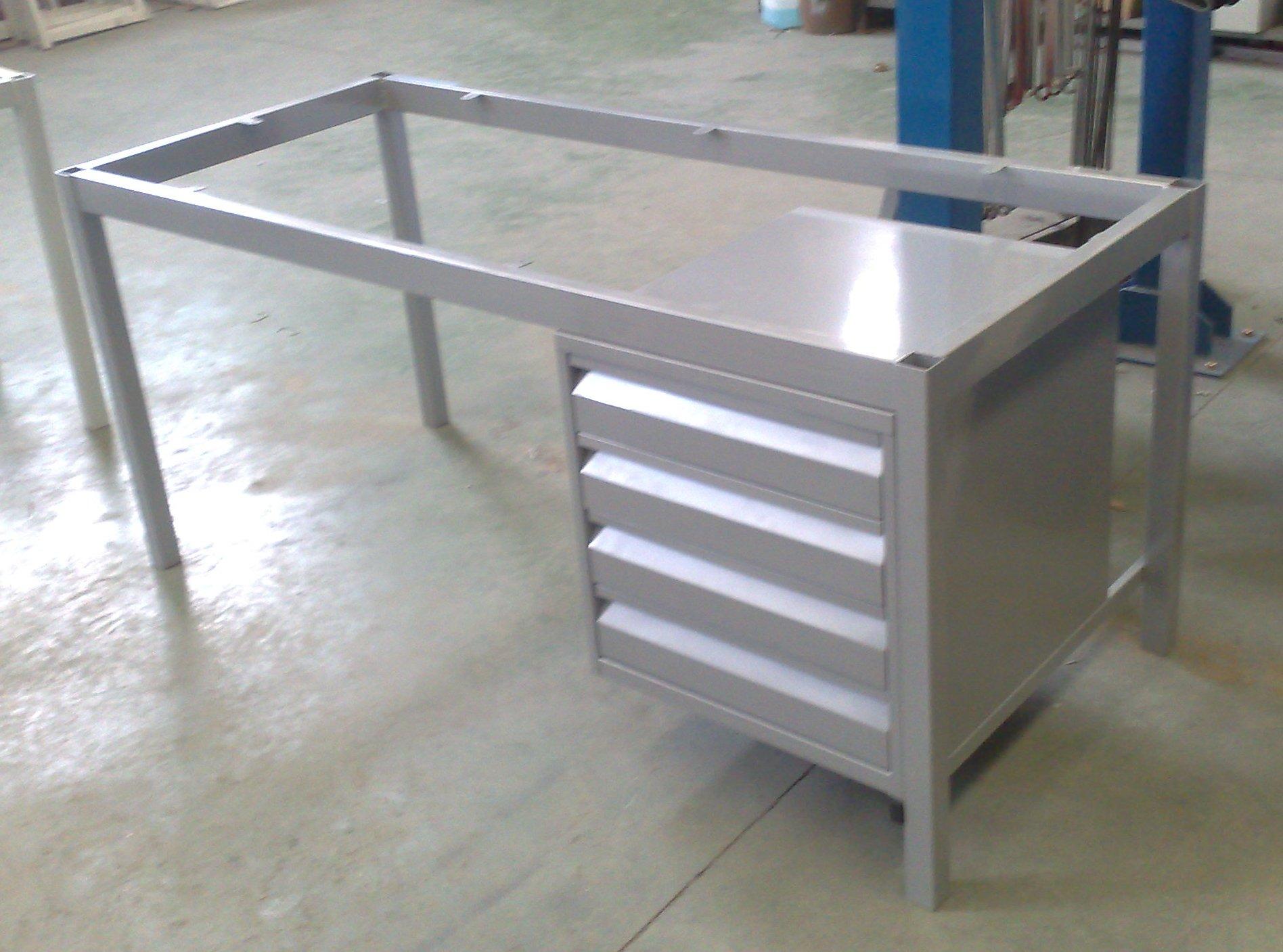 Fabricacion de muebles metalicos a medida en madrid y toledo for Pedestales metalicos para mesas